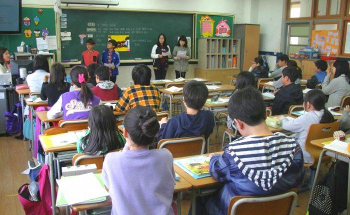 Aumento stipendio docenti personale scuola
